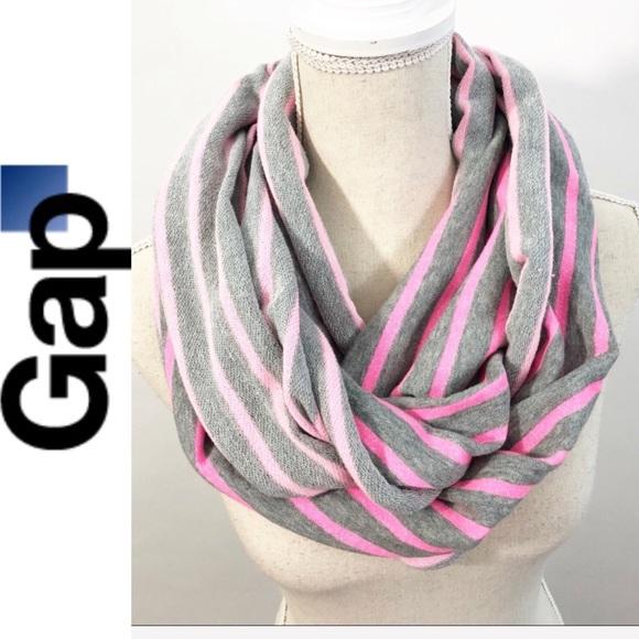 b0ea6005d44 Gap Gray/Pink Infinity Scarf EUC 0693